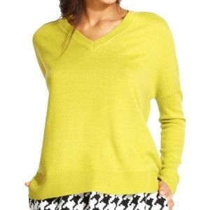 QMack Long Sleeve V-Neck Pullover Sweater, S